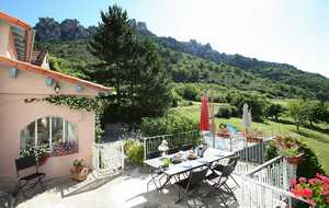 Bed and breakfast Chambres d'Hotes les Falaises , Aveyron, Mostuejouls, France