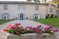 Bed and breakfast Commanderie des Taillades , Bouches_du_rhone, Vernegues, France