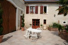 Cottage La Fontaine des Arts , Charente, Mansle, France