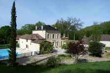 Bed and breakfast Aux Trois Fontaines , Gironde, Eynesse, France