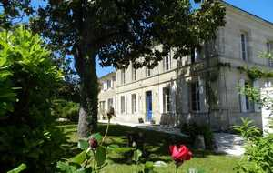 Bed and breakfast La Porte Bleue au 31 , Gironde, Cavignac, France