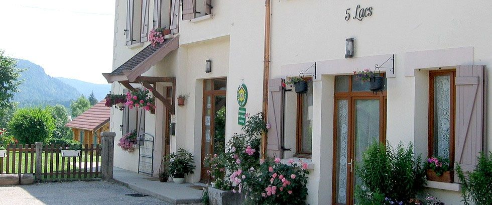 Bed and breakfast Auberge des 5 Lacs , Jura, Le-frasnois, France
