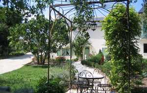 Bed and breakfast Prieure la Chimere , Loir_et_cher, Vallieres-les-grandes, France