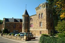 Bed and breakfast Castel des Cedres , Nievre, Saint-honore-les-bains, France