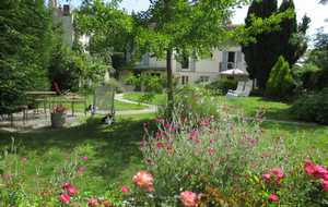 Bed and breakfast La Maison de Cosi , Yvelines, Montfort-l-amaury, France