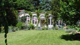 Bed and breakfast L'Orangerie , Yvelines, Versailles, France