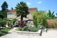 Bed and breakfast Le Petit Nailly , Yvelines, Magny-les-hameaux, France