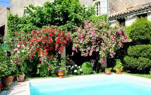 Bed and breakfast Chez Delphine , Tarn, Puycelsi, France
