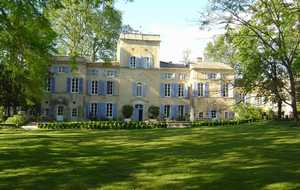 Bed and breakfast Chateau des Barrenques , Vaucluse, Lamotte-du-rhone, France