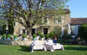 Bed and breakfast Mas du Grand Jonquier , Vaucluse, Lagnes, France