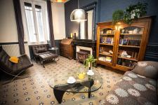 Carcassonne Townhouse Salon