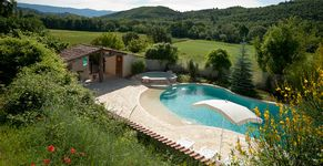 Domaine de Bertrandy Piscine